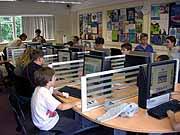Компьютерная комната в школе Бокс Хилл